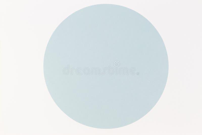 Αφηρημένο ελάχιστο υπόβαθρο εγγράφου χρώματος Μπλε στρογγυλός κύκλος κρητιδογραφιών στο άσπρο υπόβαθρο Η τοπ άποψη, επίπεδη βάζει στοκ εικόνες