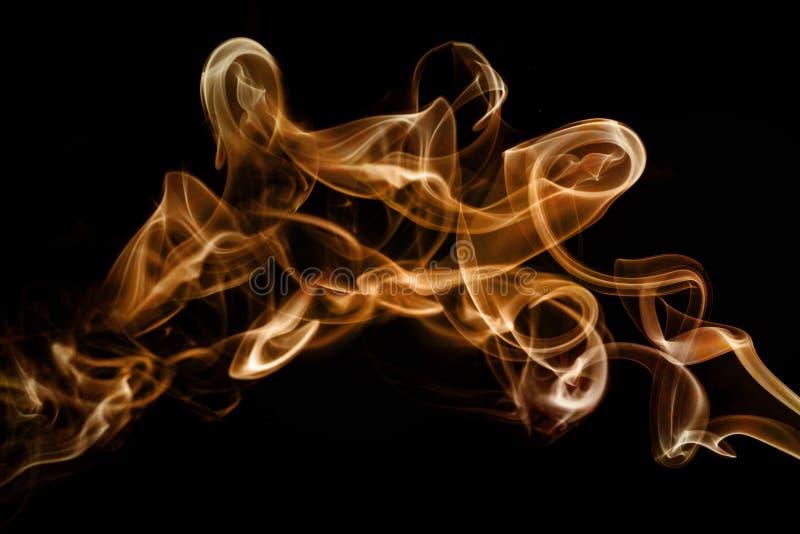 Αφηρημένο καλλιτεχνικό χρυσό μαλακό και ομαλό υπόβαθρο επίδρασης καπνού διανυσματική απεικόνιση