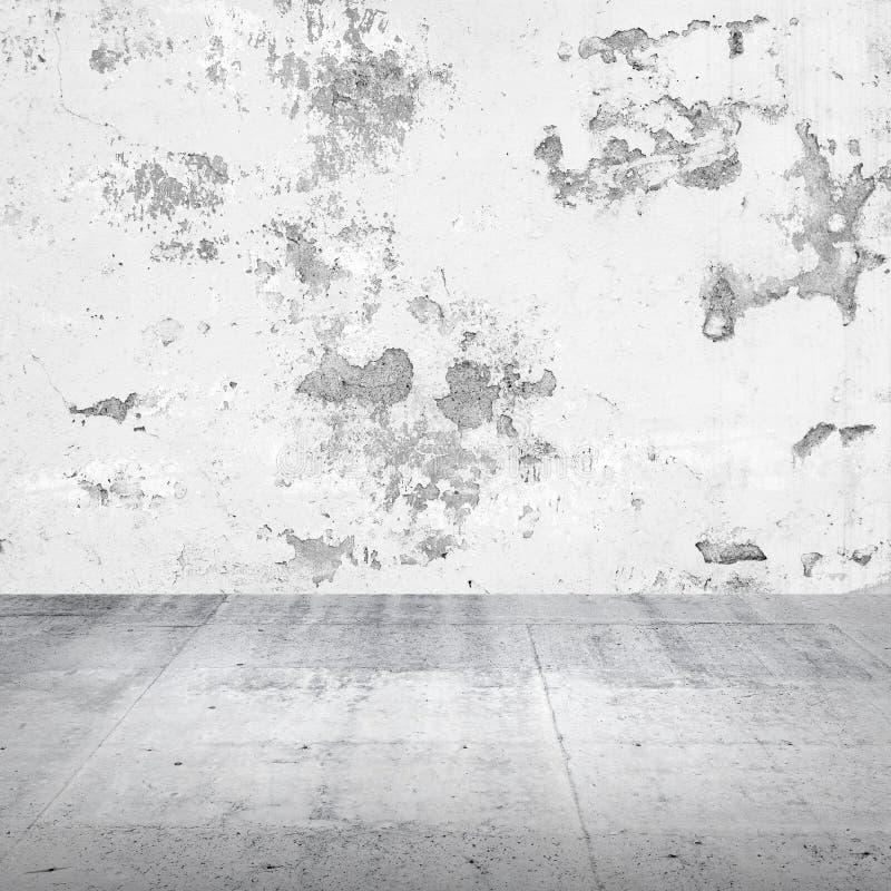 Αφηρημένο κενό άσπρο εσωτερικό με το συμπαγή τοίχο στοκ φωτογραφία