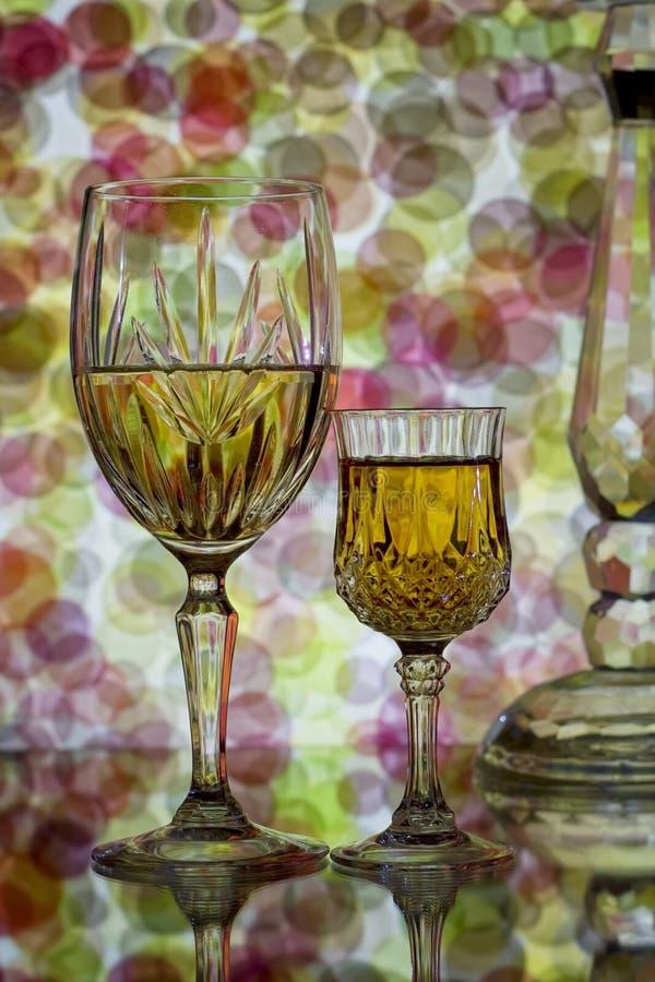 αφηρημένο κρασί γυαλιών αν&a στοκ εικόνες