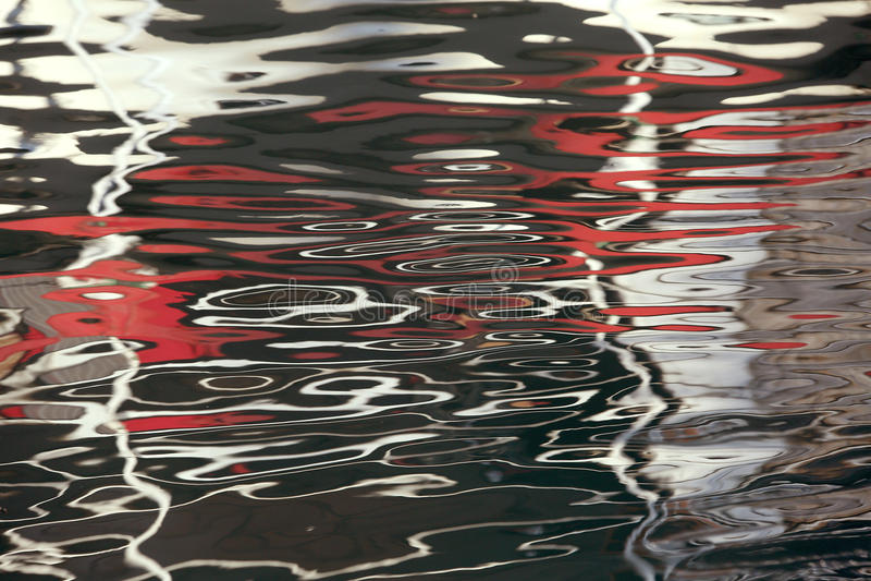 Αφηρημένο κόκκινο λευκό σύστασης υποβάθρου του νερού στοκ φωτογραφίες