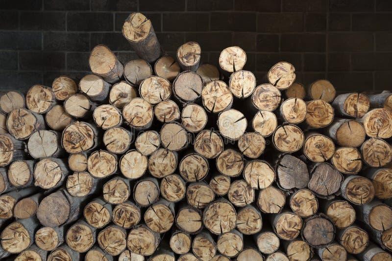 Αφηρημένο ξύλο σε μια εστία στοκ εικόνα