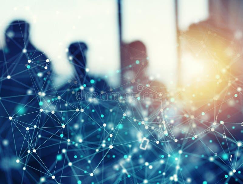 Αφηρημένο υπόβαθρο δικτύων σύνδεσης στο Διαδίκτυο με τη σκιαγραφία της επιχειρησιακής ομάδας στοκ εικόνα με δικαίωμα ελεύθερης χρήσης