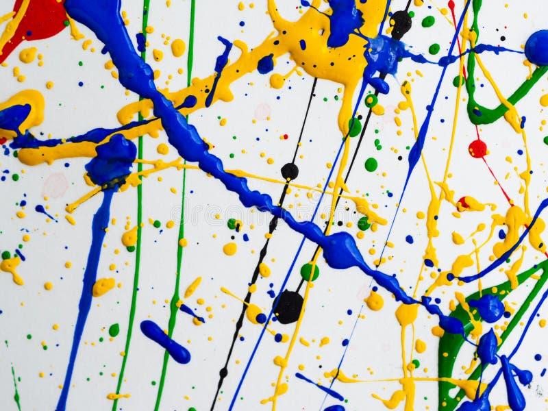 Αφηρημένο expressionism δημιουργικό υπόβαθρο τέχνης τέχνη των παφλασμών και των σταλαγματιών κόκκινο μαύρο πράσινο κίτρινο μπλε χ στοκ εικόνα