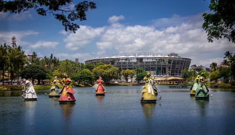 Αφρικανικά αγάλματα Αγίων στη λίμνη στο Σαλβαδόρ - Bahia, Βραζιλία στοκ φωτογραφία