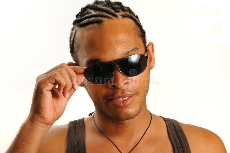 αφρικανικά γυαλιά ηλίου ατόμων στοκ εικόνες