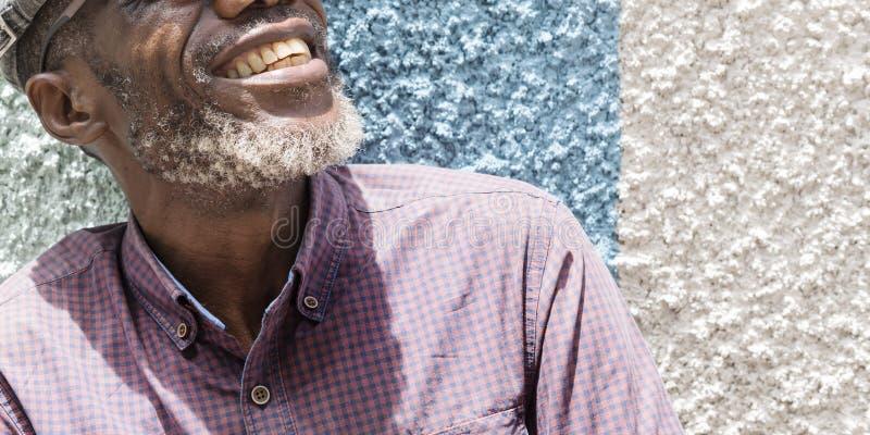 Αφρικανική έννοια πορτρέτου τρόπου ζωής χαμόγελου ατόμων στοκ εικόνες με δικαίωμα ελεύθερης χρήσης