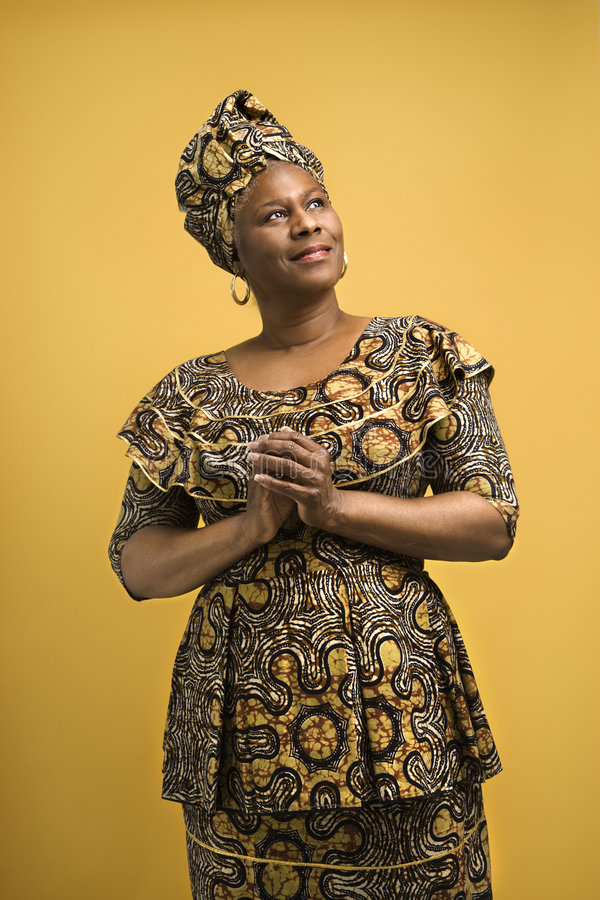 αφρικανική γυναίκα φορε&m στοκ εικόνες