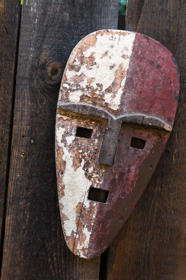 Αφρικανική μάσκα τοτέμ στοκ εικόνα με δικαίωμα ελεύθερης χρήσης