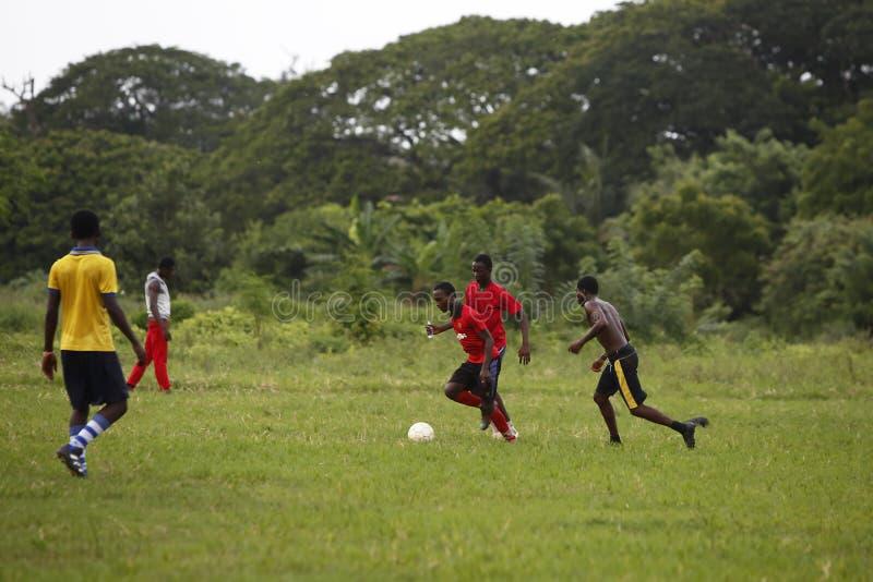 Αφρικανική ομάδα ποδοσφαίρου κατά τη διάρκεια της κατάρτισης στοκ εικόνα με δικαίωμα ελεύθερης χρήσης
