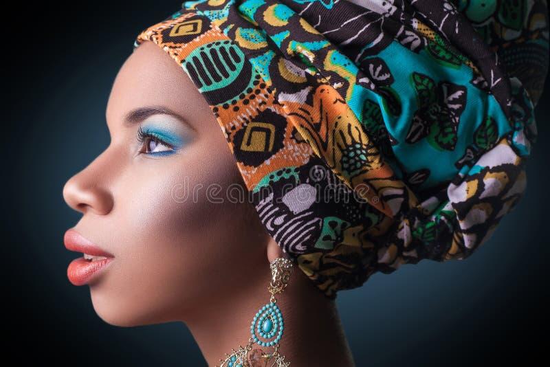 Αφρικανική ομορφιά, πυροβολισμός στούντιο στοκ εικόνα