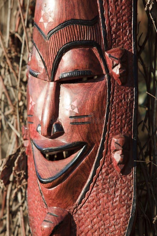 Αφρικανική τέχνη και γλυπτά φιαγμένες από ebony ξύλινη γλυπτική στοκ εικόνες