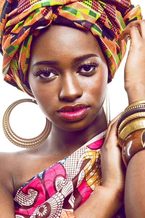 Αφρικανικός-αμερικανικό μοντέλο μόδας. στοκ φωτογραφία με δικαίωμα ελεύθερης χρήσης