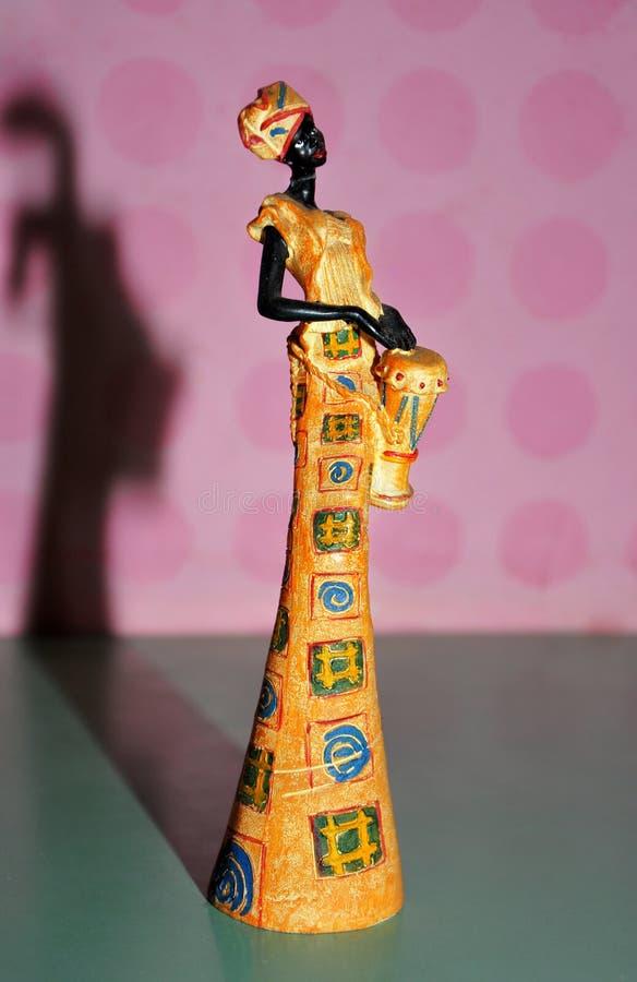 Αφρικανικό άγαλμα γυναικών στοκ εικόνες με δικαίωμα ελεύθερης χρήσης