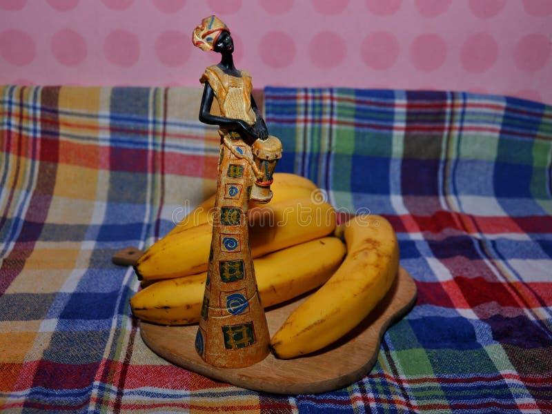 Αφρικανικό άγαλμα γυναικών στοκ φωτογραφίες με δικαίωμα ελεύθερης χρήσης