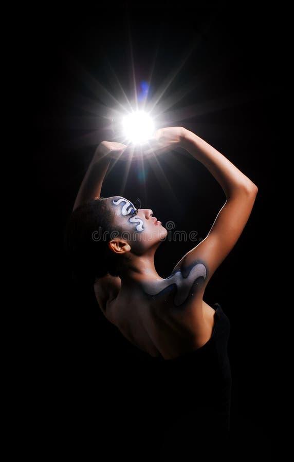 αφρικανικό κορίτσι σωμάτων τέχνης αρκετά στοκ φωτογραφίες με δικαίωμα ελεύθερης χρήσης