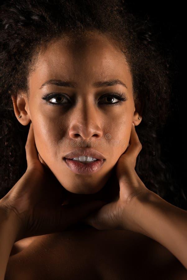 αφρικανικό ξανθό κορίτσι στοκ εικόνες
