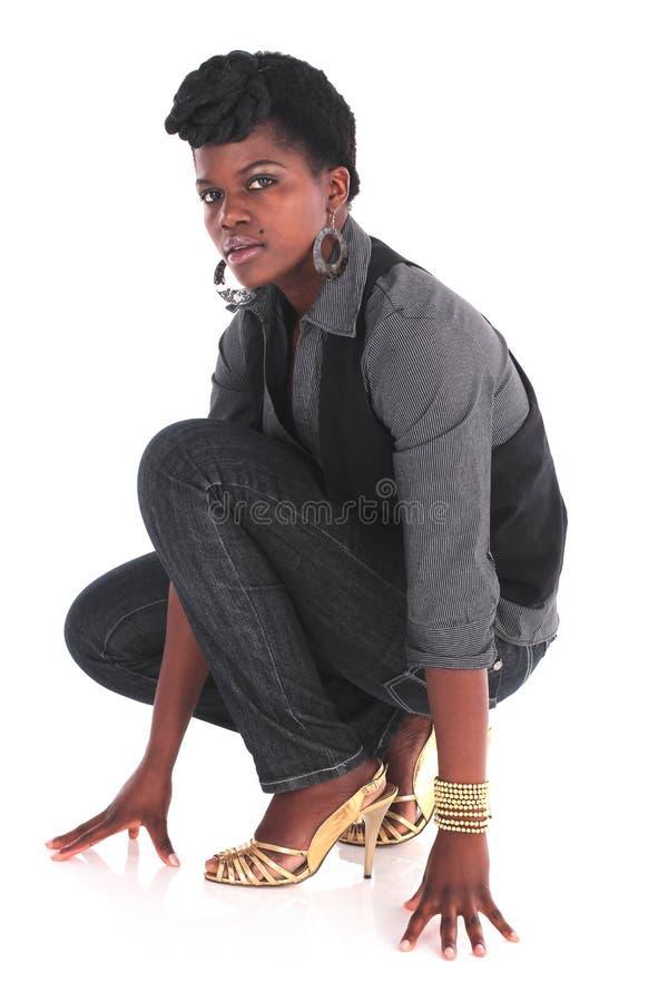 Αφρικανικό σκύψιμο επιχειρησιακών γυναικών στοκ εικόνες με δικαίωμα ελεύθερης χρήσης
