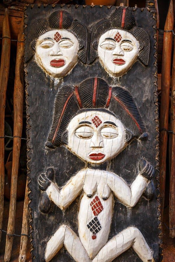 Αφρικανικό τοτέμ στο δέρμα στοκ φωτογραφία με δικαίωμα ελεύθερης χρήσης