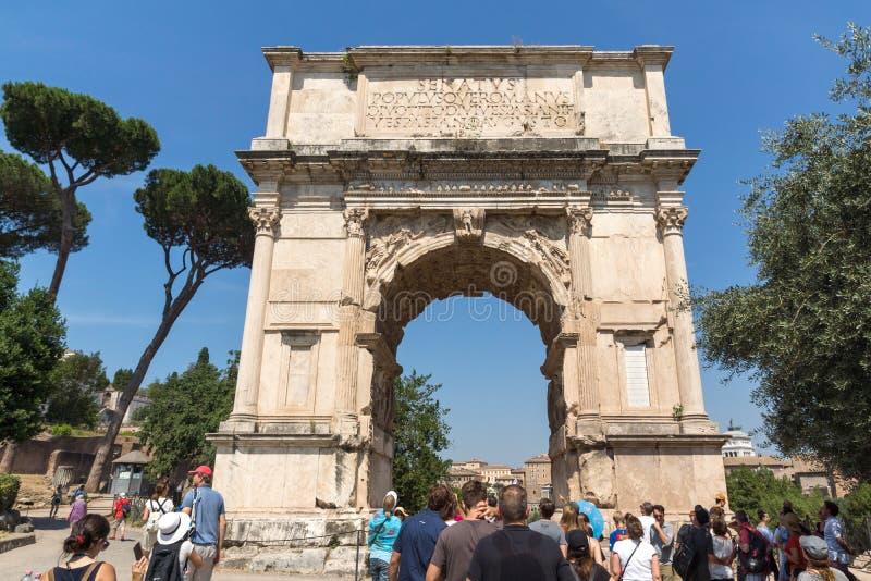 Αψίδα του Titus στο ρωμαϊκό φόρουμ στην πόλη της Ρώμης, Ιταλία στοκ φωτογραφία με δικαίωμα ελεύθερης χρήσης