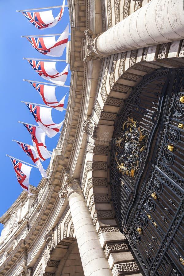 αψίδα Αγγλία Λονδίνο ναυαρχείου στοκ εικόνα με δικαίωμα ελεύθερης χρήσης