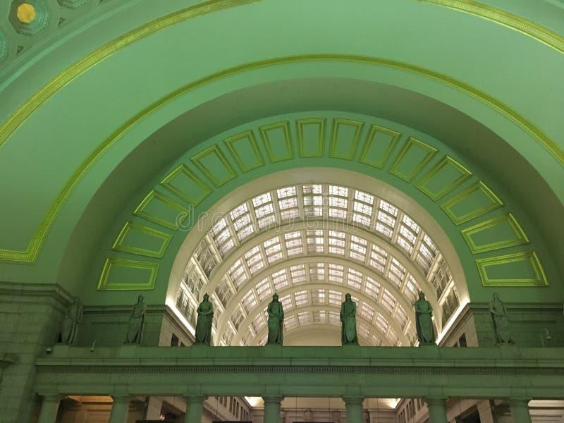 Αψίδες στο σταθμό ένωσης στοκ εικόνες