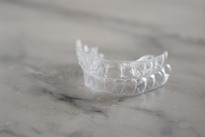 Αόρατος ευθυγραμμιστής στηριγμάτων Κινητή orthodontic συσκευή για την οδοντική διόρθωση στοκ εικόνα με δικαίωμα ελεύθερης χρήσης