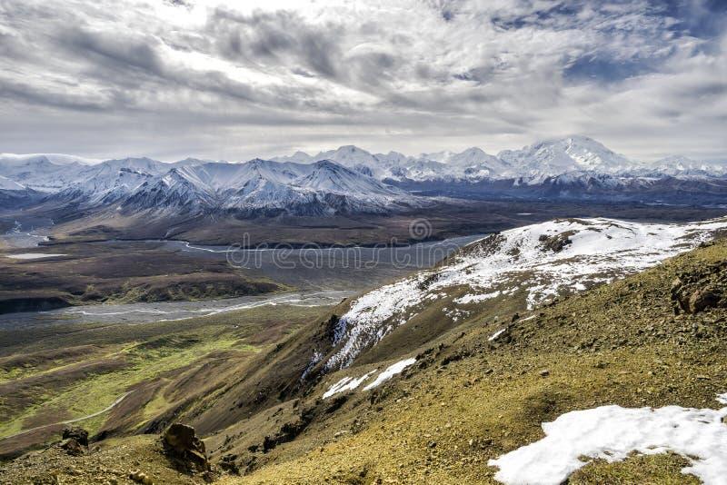 Αλάσκα - ΑΜ McKinley από Denali στοκ εικόνες
