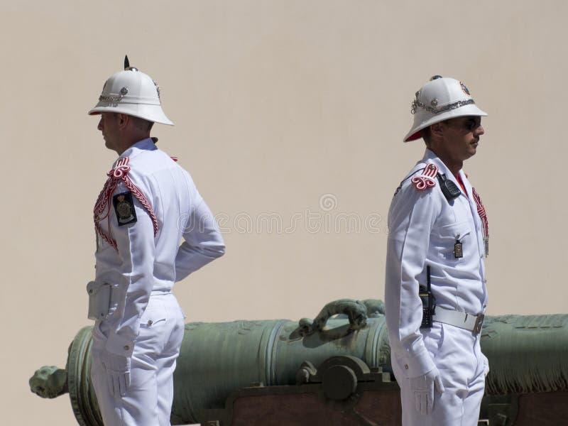 Αλλαγή φρουράς στο παλάτι του πρίγκηπα του Μονακό στοκ φωτογραφίες