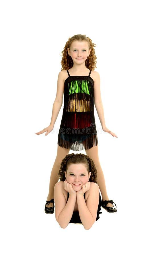Αδελφές χορού βρυσών στο κοστούμι στοκ εικόνες
