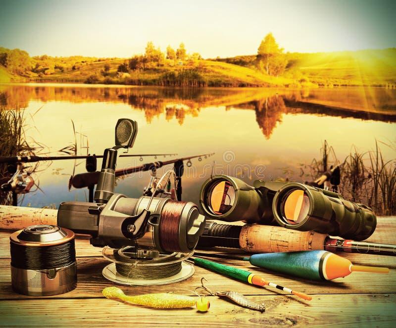 Αλιεία του εξοπλισμού σε έναν πάκτωνα στοκ φωτογραφία με δικαίωμα ελεύθερης χρήσης