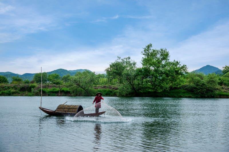 Αλιευτικά σκάφη κόλπων φεγγαριών Wuyuan Jiangxi στοκ εικόνα