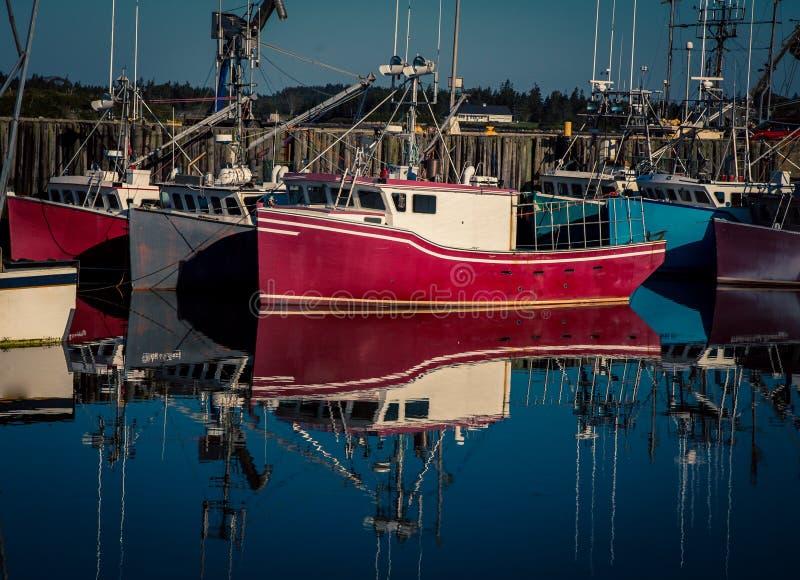 Αλιευτικά σκάφη στη Νέα Σκοτία στοκ εικόνες