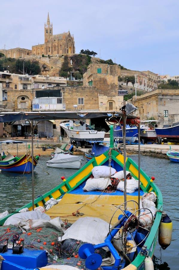 Αλιευτικά σκάφη της Μάλτας στο χωριό Mgarr στοκ φωτογραφίες