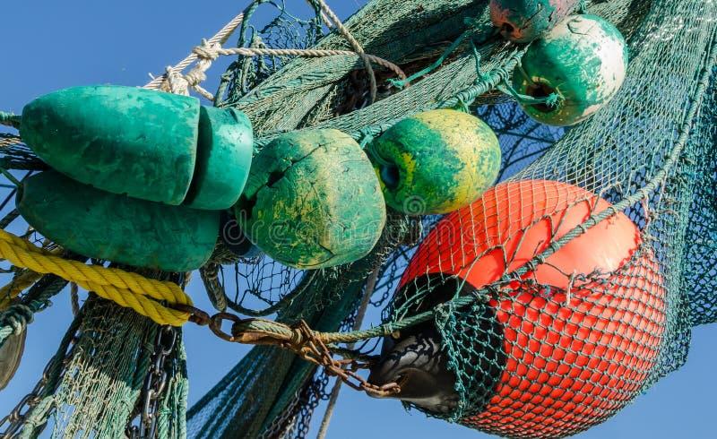 Αλιεύοντας σημαντήρες και δίχτυα στοκ φωτογραφία
