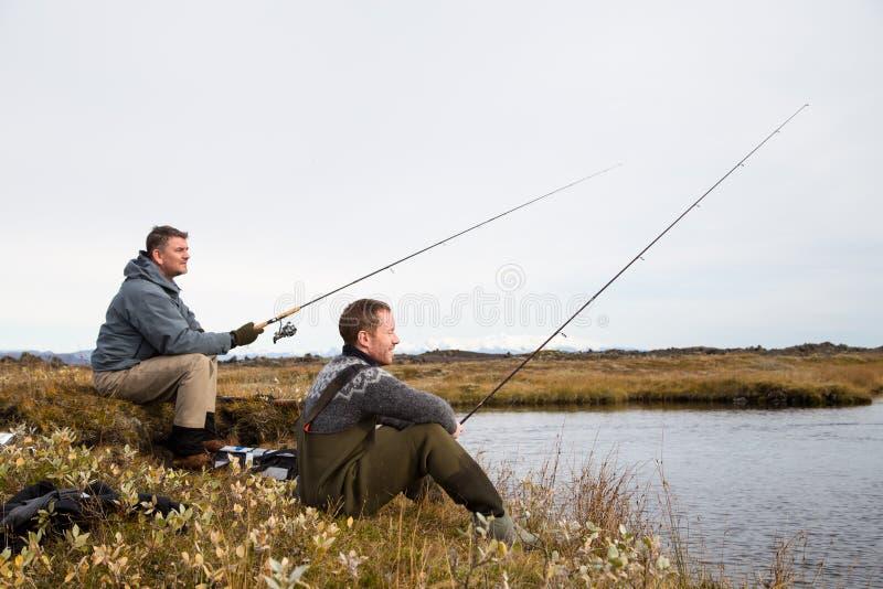 Αλιεύοντας φιλαράκοι στοκ εικόνες με δικαίωμα ελεύθερης χρήσης