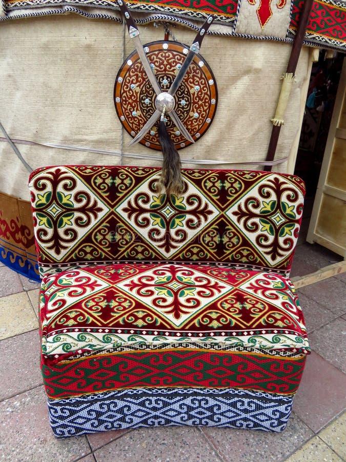 Αλμάτι - εθνικός καναπές του Καζάκου στοκ φωτογραφίες