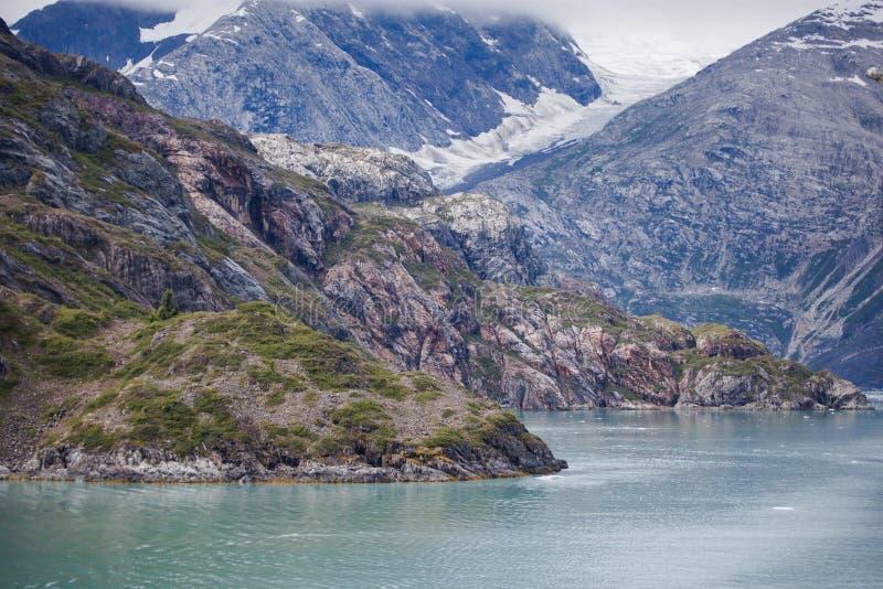 Αλπικός) παγετώνας βουνών ( στοκ φωτογραφίες με δικαίωμα ελεύθερης χρήσης