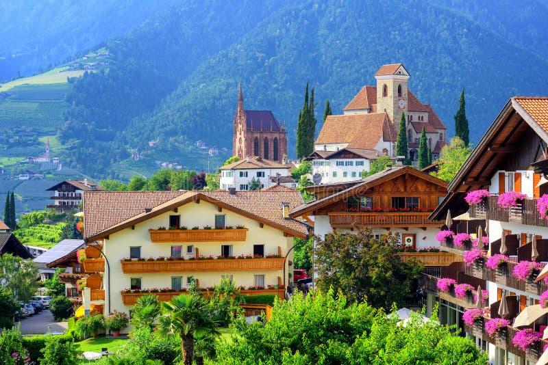 Αλπικό χωριό Schenna, Meran, νότιο Τύρολο, Ιταλία στοκ φωτογραφία