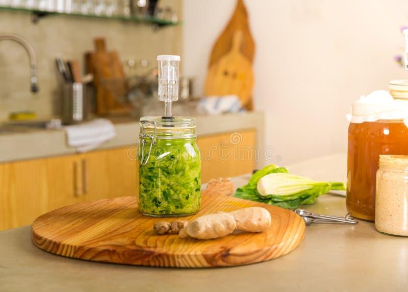 Βάζα του kimchi στοκ φωτογραφία