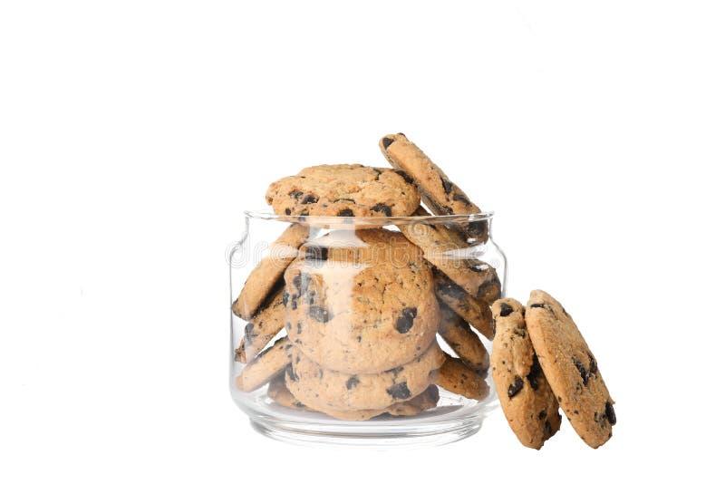 Βάζο γυαλιού με τα νόστιμα μπισκότα τσιπ σοκολάτας στοκ φωτογραφίες με δικαίωμα ελεύθερης χρήσης