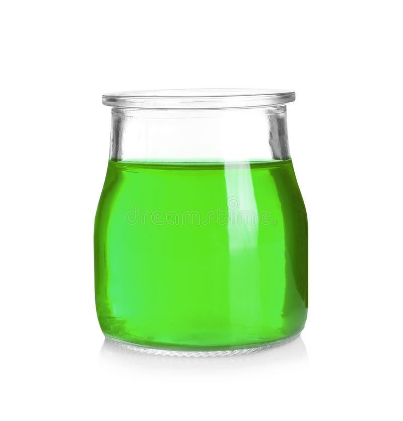 Βάζο με τη νόστιμη ζελατίνα στο λευκό στοκ εικόνες