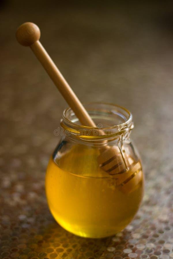 Βάζο του γλυκού μελιού στοκ φωτογραφίες