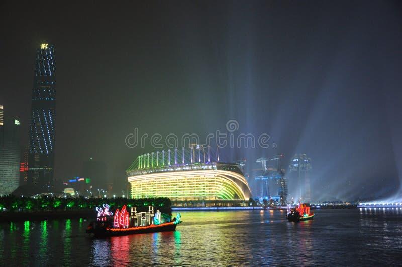 Βάρκα δράκων στο καντόνιο Κίνα Guangzhou στοκ εικόνα