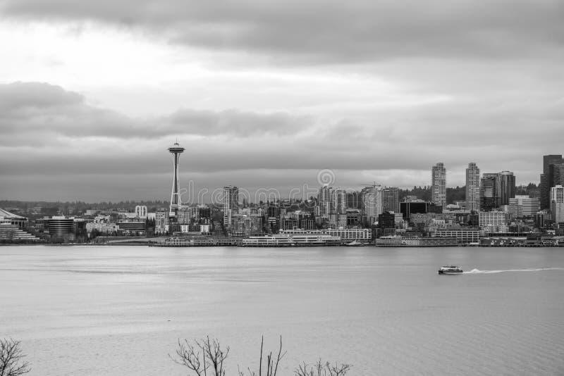 Βάρκα και αστικός ορίζοντας 9 στοκ εικόνες με δικαίωμα ελεύθερης χρήσης