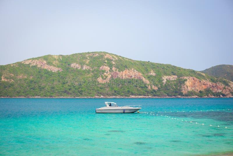 Βάρκα και θάλασσα στοκ φωτογραφία
