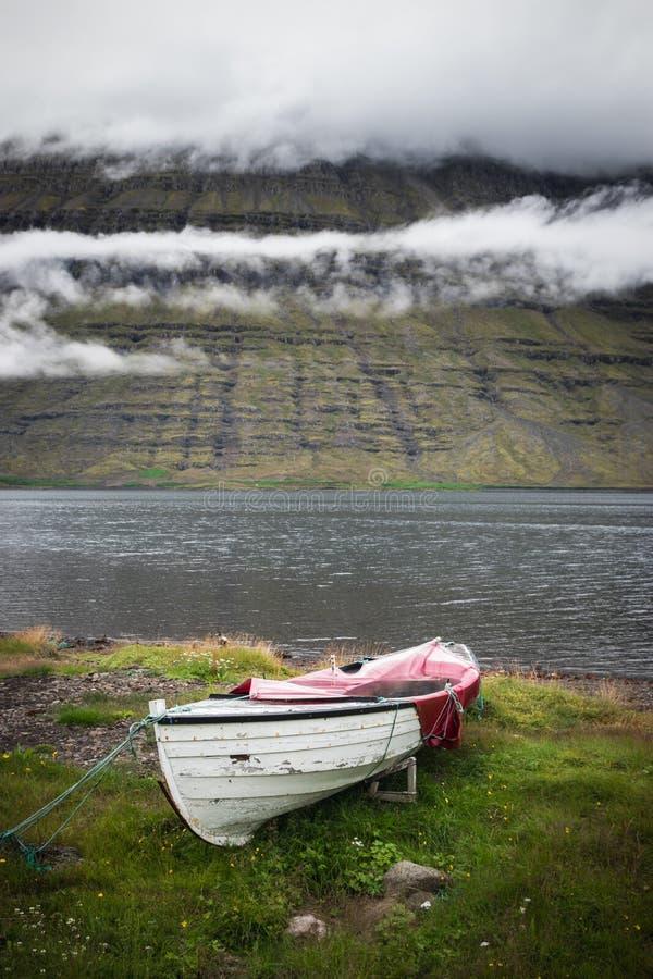 Βάρκα κουπιών στοκ εικόνες