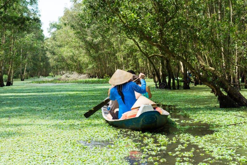 Βάρκα κωπηλασίας τουρισμού Mekong στο δέλτα, Βιετνάμ στοκ εικόνες