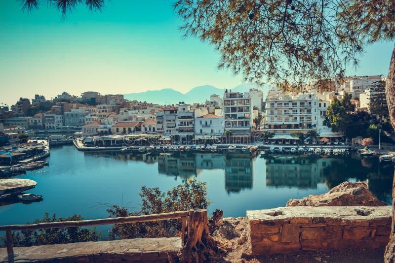 Βάρκα μαρινών βαρκών λιμνών κόλπων ¡ της Ελλάδας Ð ταξιδιών rit στοκ εικόνες με δικαίωμα ελεύθερης χρήσης