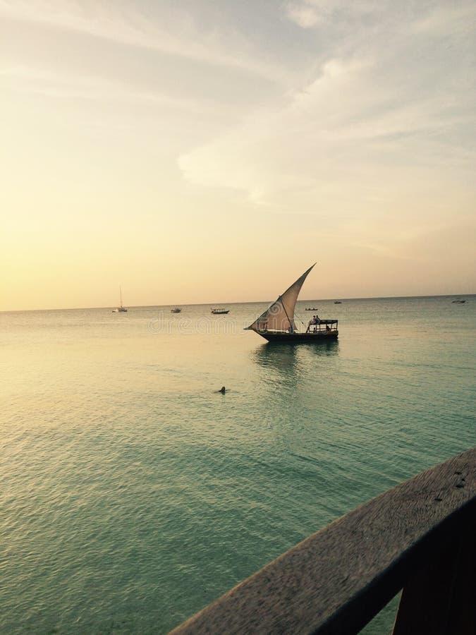 Βάρκα πανιών που ελλιμενίζεται στοκ φωτογραφία με δικαίωμα ελεύθερης χρήσης